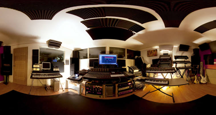 Why You Should Consider Using Professional Recording Studio